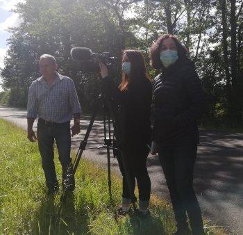 l'équipe de tournage et le président Raymond LOUIS