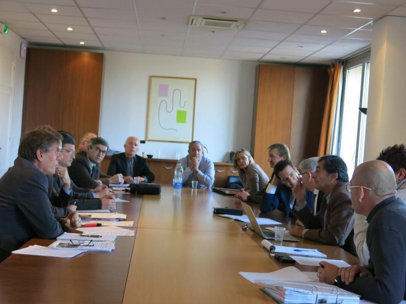 Tous les acteurs réunis autour du Président de la Région Centre-Val de Loire et de Nicolas Vanier